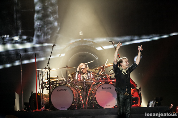 Van_Halen_Honda_Center_06-12-12_11