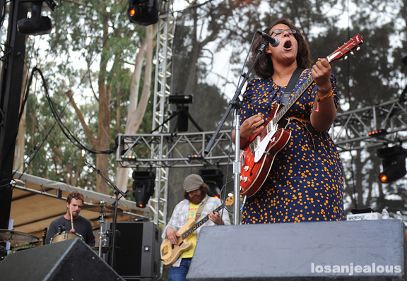 Alabama_Shakes_Outside_Lands_2012_05