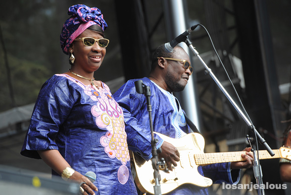 Amadou-Mariam_Outside_Lands_2012_05