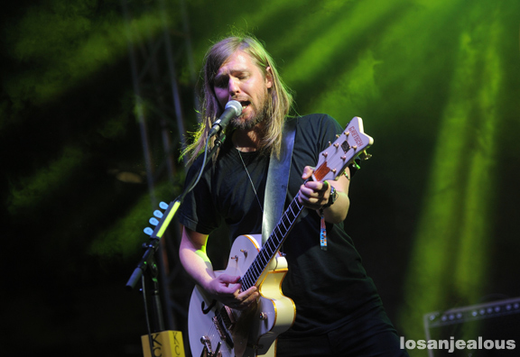Band_of_Skulls_KCRW_Annenberg_03