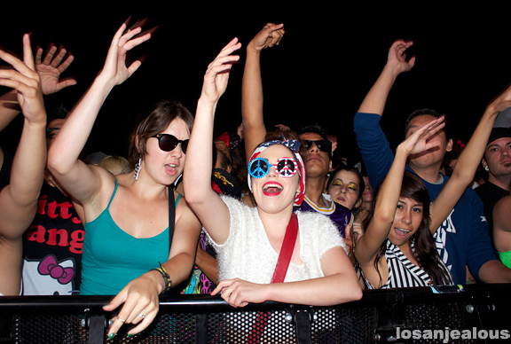 Crowd_HARD_Summer_02