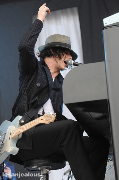 Jack_White_Outside_Lands_2012_05