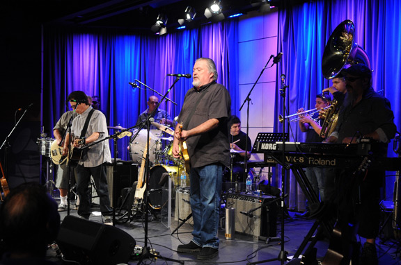 Los Lobos Revisit <em>Kiko</em> at Grammy Museum; Release <em>Kiko Live</em> and <em>Kiko</em> 20th Anniv Edition