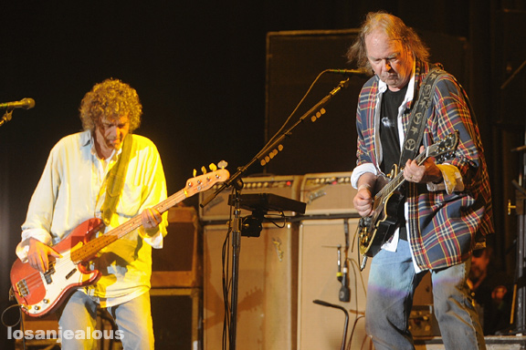 Neil_Young_Outside_Lands_2012_25