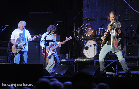Neil_Young_Outside_Lands_2012_26