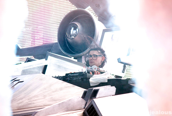 Skrillex_HARD_Summer_08