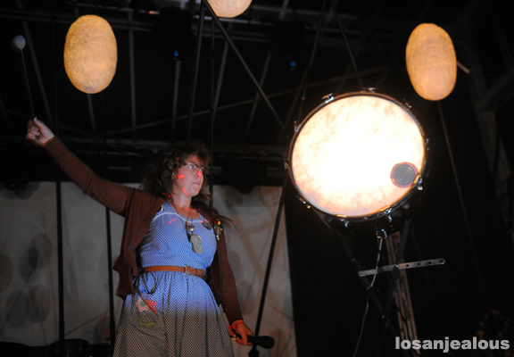 Purity_Ring_FYF_Fest_2012_01
