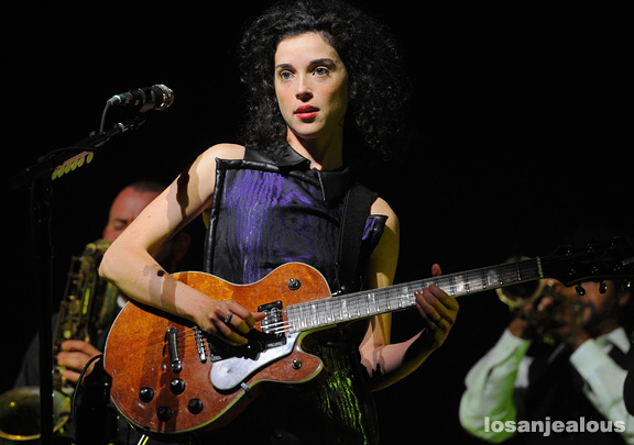 David_Byrne_St_Vincent_Greek_Theatre_15