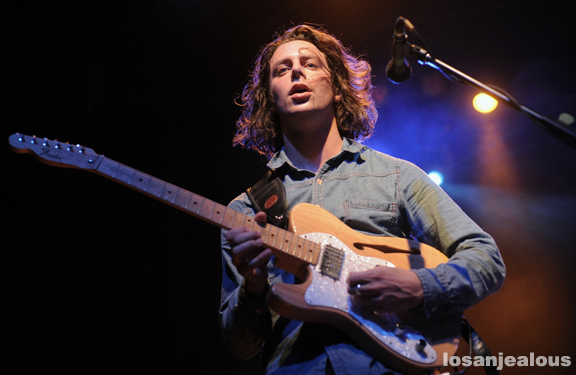 The_Maccabees_El_Rey_10-05-12_01