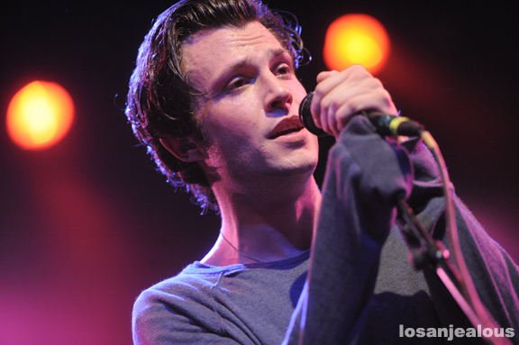 The_Maccabees_El_Rey_10-05-12_14