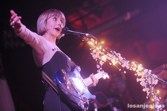 The_Joy_Formidable_Troubadour_14