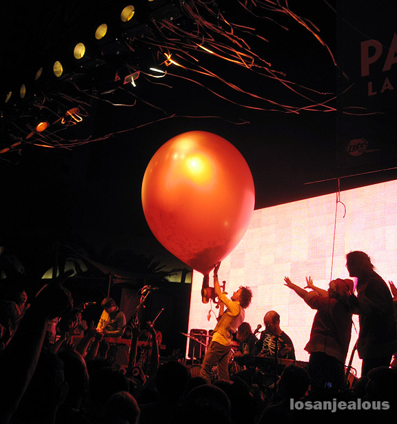 The Flaming Lips Poolside @ The Palms Hotel And Casino, Las Vegas, NV, 9/16/07