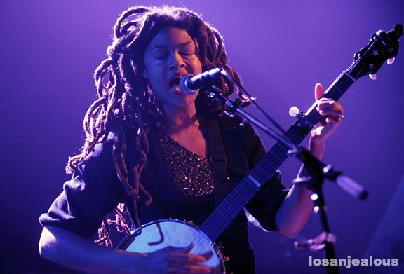 Valerie_June_Troubadour_02
