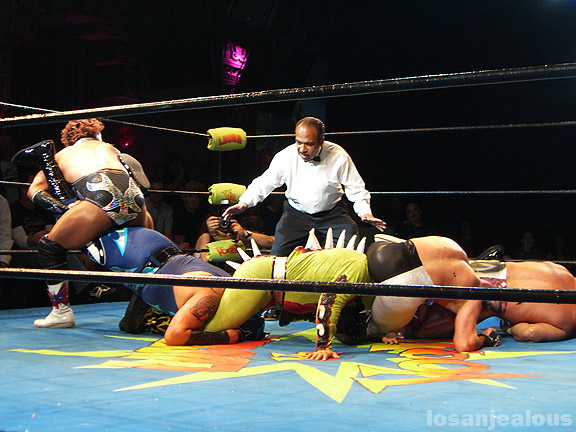 "LUCHA VA VOOM – FEBRUARY 12TH, 2008 AT THE MAYAN THEATRE – ""LOVE IS IN THE AIR"""