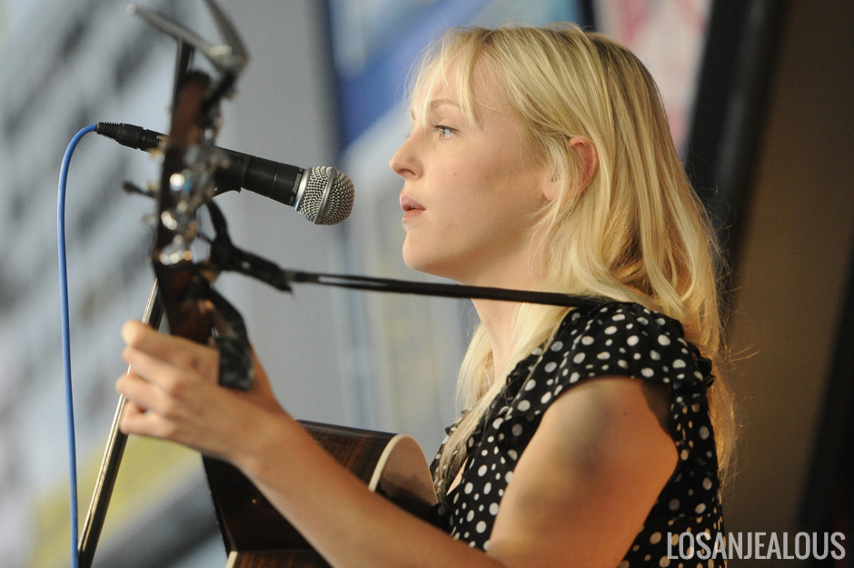 Laura_Marling_Amoeba_Music_05