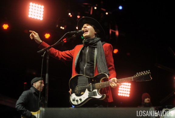 Photos: Beck @ Treasure Island Music Festival 2013