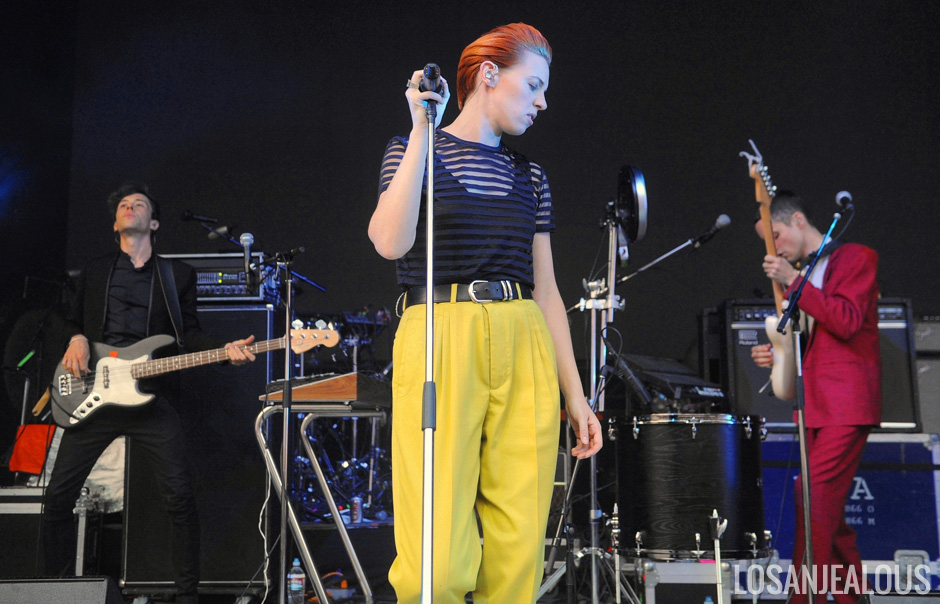 La_Roux_Greek_Theatre_02