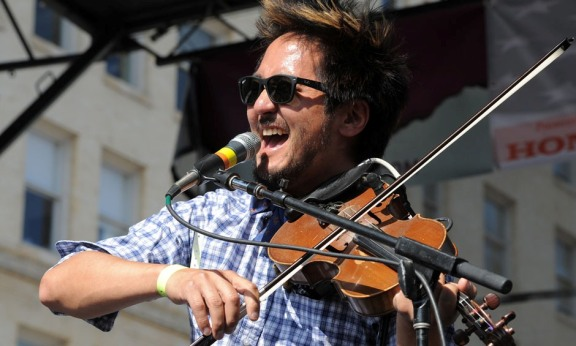 Photos: Kishi Bashi @ Make Music Pasadena 2015