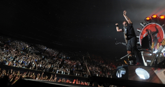 Photos: Foo Fighters @ The Forum, September 22, 2015