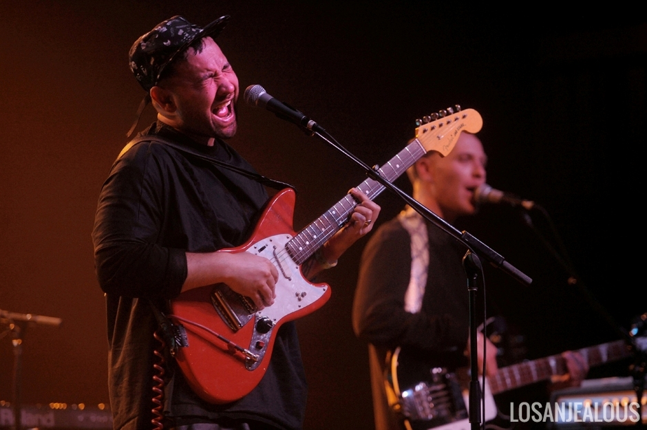 Unknown_Mortal_Orchestra_UMO_Fonda_Theatre (17)