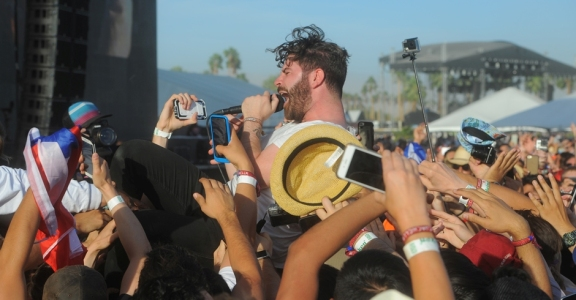 Photos: Foals @ Coachella 2016, Weekend 2
