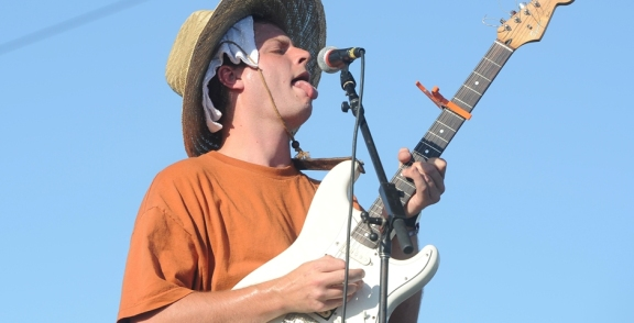 Photos: Mac DeMarco @ Coachella 2017