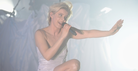 Photos: Robyn @ Red Bull Music Festival LA | Hollywood Palladium, February 22, 2019