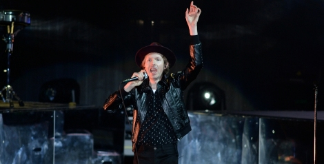 Photos: Beck @ FivePoint Amphitheatre, July 17, 2019