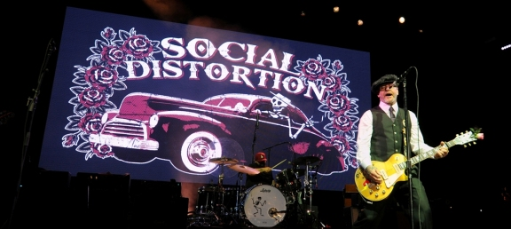 Photos: Social Distortion | Sounds from Behind the Orange Curtain @ FivePoint Amphitheatre, October 26, 2019