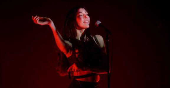Photos: Caroline Polachek @ The Fonda Theatre, February 1, 2020